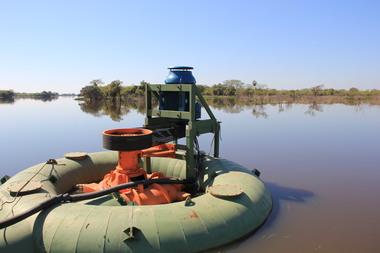 Medium saer   bomba   agua   dreanaje   montaje   caudal   rio   img 4132